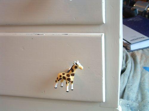 Dresserdistress2